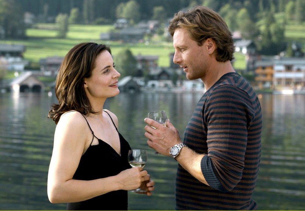 Noch ahnt Beatrice (Elisabeth Lanz) nicht, dass ihre große Liebe Thomas (Hendrik Duryn) ihre Firma übernehmen will.