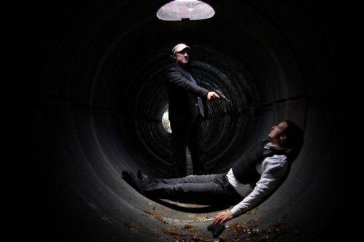 In einer Abwasserröhre nahe Neapel kommt es zum Schußwechsel zwischen Amigo (Tobias Moretti) und dem BKA-Fahnder Sauerland (Florian David Fitz).