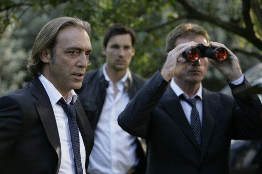 Renzo Esposito (Luca Ward, l.) mit Jupp Sauerland (Florian David Fitz, m.) und Fredo Kovacs (Jürgen Prochnow, r.).