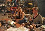 Holländerin Debbie (Sylvia Hoeks, l.) hat ein Auge auf Basti (Sebastian Bezzel, r.) geworfen.
