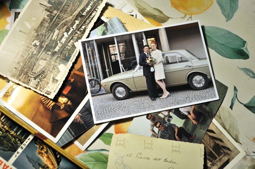 Fotos zeugen von schönen Zeiten, als Antonio (Leonardo Nigro) und Ursula (Marleen Lohse) frisch verliebt waren.