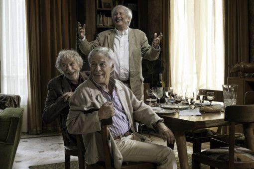 Drei WG-Bewohner in Hochform: die Freunde Jean (Guy Bedos, vorn), Albert (Pierre Richard, M.) und Claude (Claude Rich, hinten).