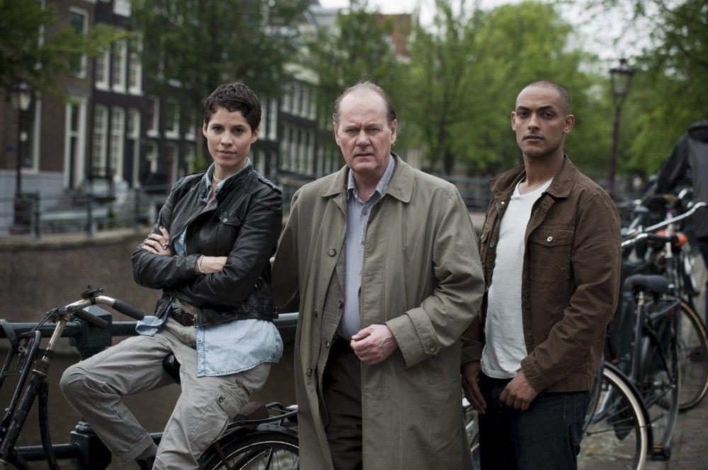"""Die Protagonisten in """"Eine Frau verschwindet"""": V. l. n. r.: Julika Tambur (Jasmin Gerat), Bruno van Leeuwen (Peter Haber) und Remko Vreeling (Patrick Abozen)."""