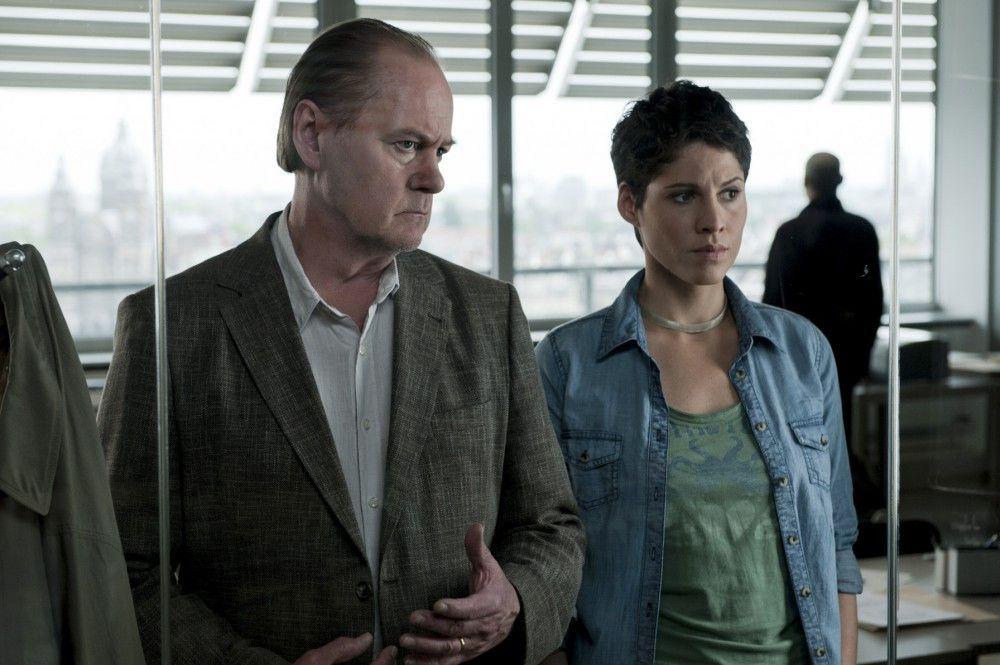 Der Amsterdamer Kommissar Bruno van Leeuwen (Peter Haber, l.) und seine Teamkollegin Julika Tambur (Jasmin Gerat, r.).