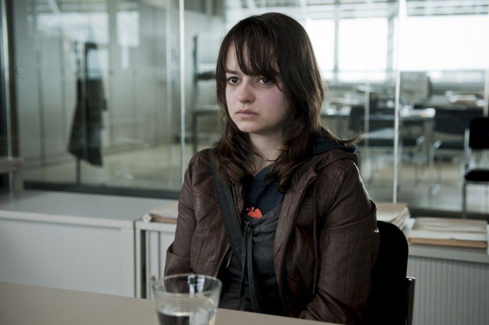 """Im Kommissariat: """"TIC"""" Mareike Palmen (Michelle Barthel) vermisst ihren Freund."""
