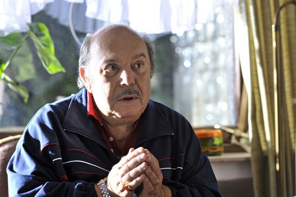 Für Brautvater Antonio Marcipane (Lino Banfi), einen eigensinnigen Süditaliener, steht fest: Die Hochzeit der geliebten Tochter findet in seinem Heimatort Campobello statt.