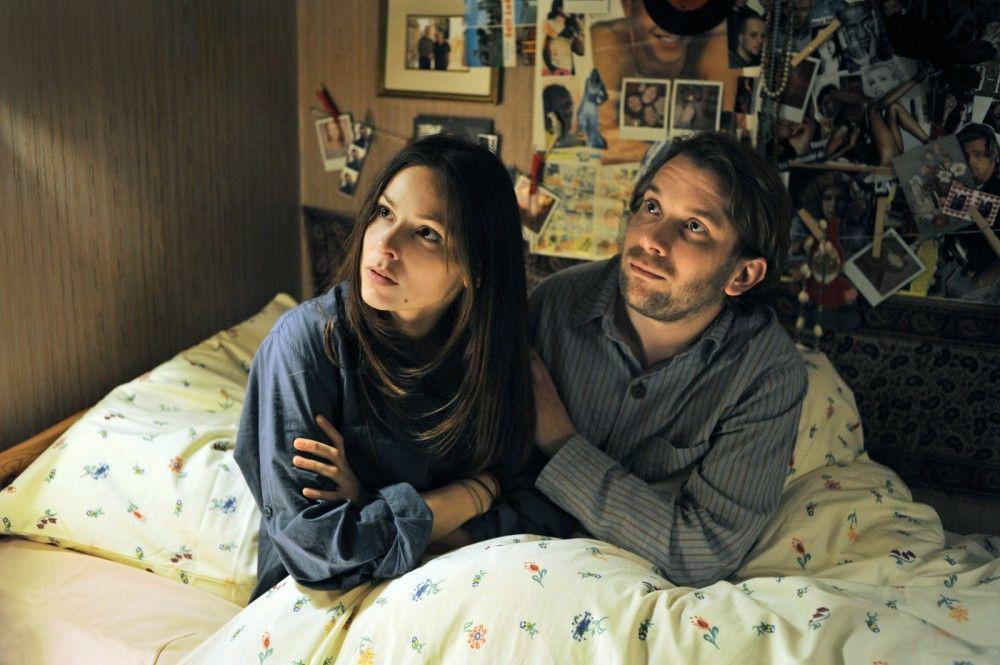Jan (Christian Ulmen) und Sara (Mina Tander) wollen heiraten. Doch zunächst muss der Schwiegersohn in spe den unberechenbaren Brautvater von sich überzeugen...