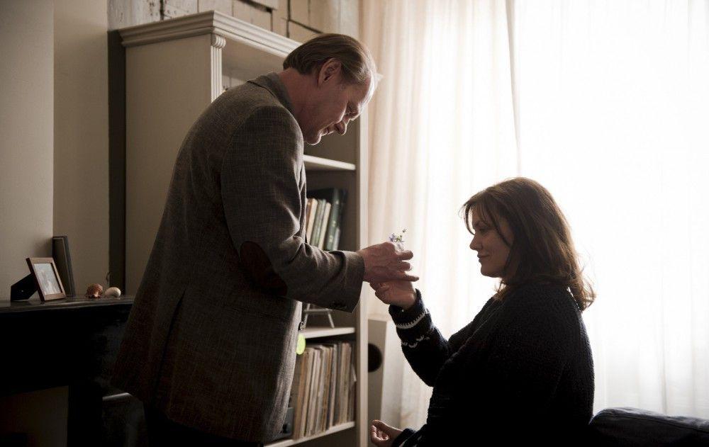 Bruno van Leeuwen (Peter Haber, l.) zusammen mit seiner kranken Frau Simone  (Maja Maranow, r.), die an Alzheimer leidet.