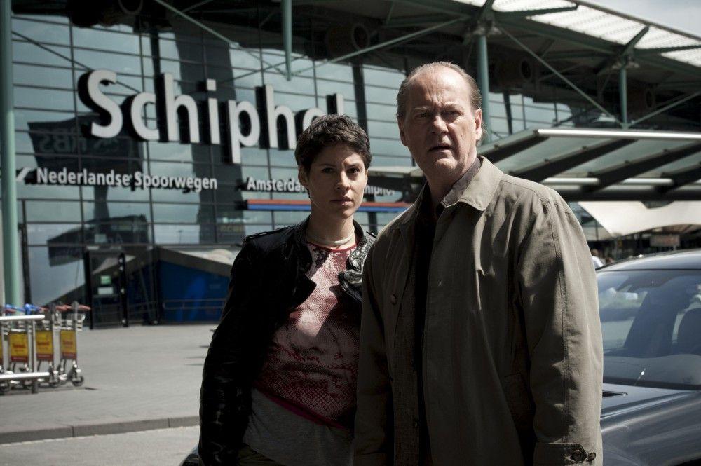 Bruno van Leeuwen (Peter Haber, r.) zusammen mit seiner Kollegin Julika Tambur (Jasmin Gerat, l.).