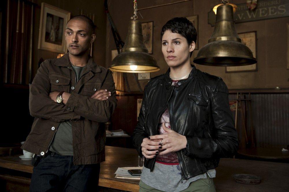 Sie unterstützen die Ermittlungen: Remko Vreeling (Patrick Abozen, l.) und Julika Tambur (Jasmin Gerat, r.).