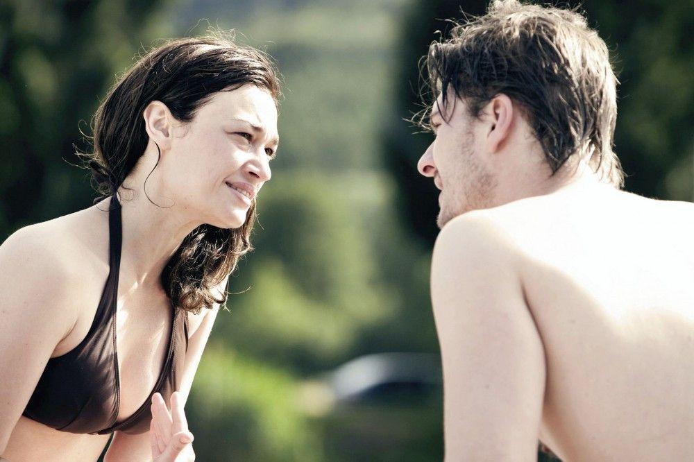 Jasmin (Anna de Carlo) und Pavel (Matthias Faust) streiten sich.