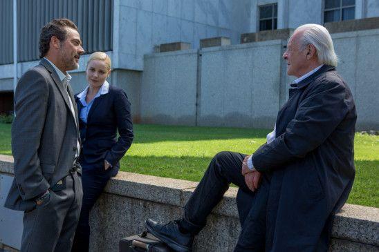 Agent Joe Merriwether (Jeffrey Dean Morgan, links) will Dr. Clancy (Sir Anthony Hopkins, rechts) als Berater für die Ermittlungen - doch seine Kollegin Katherine Cowles (Abbie Cornish) ist skeptisch.