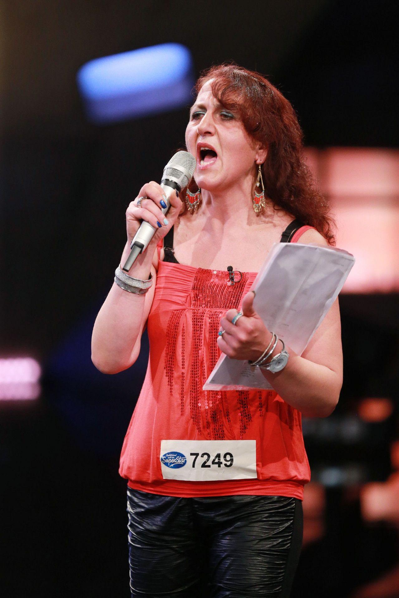 """Aytül Aksen probiert sich ebenfalls bei DSDS. Sie will mit """"Super Trooper"""" von ABBA übezeugen."""