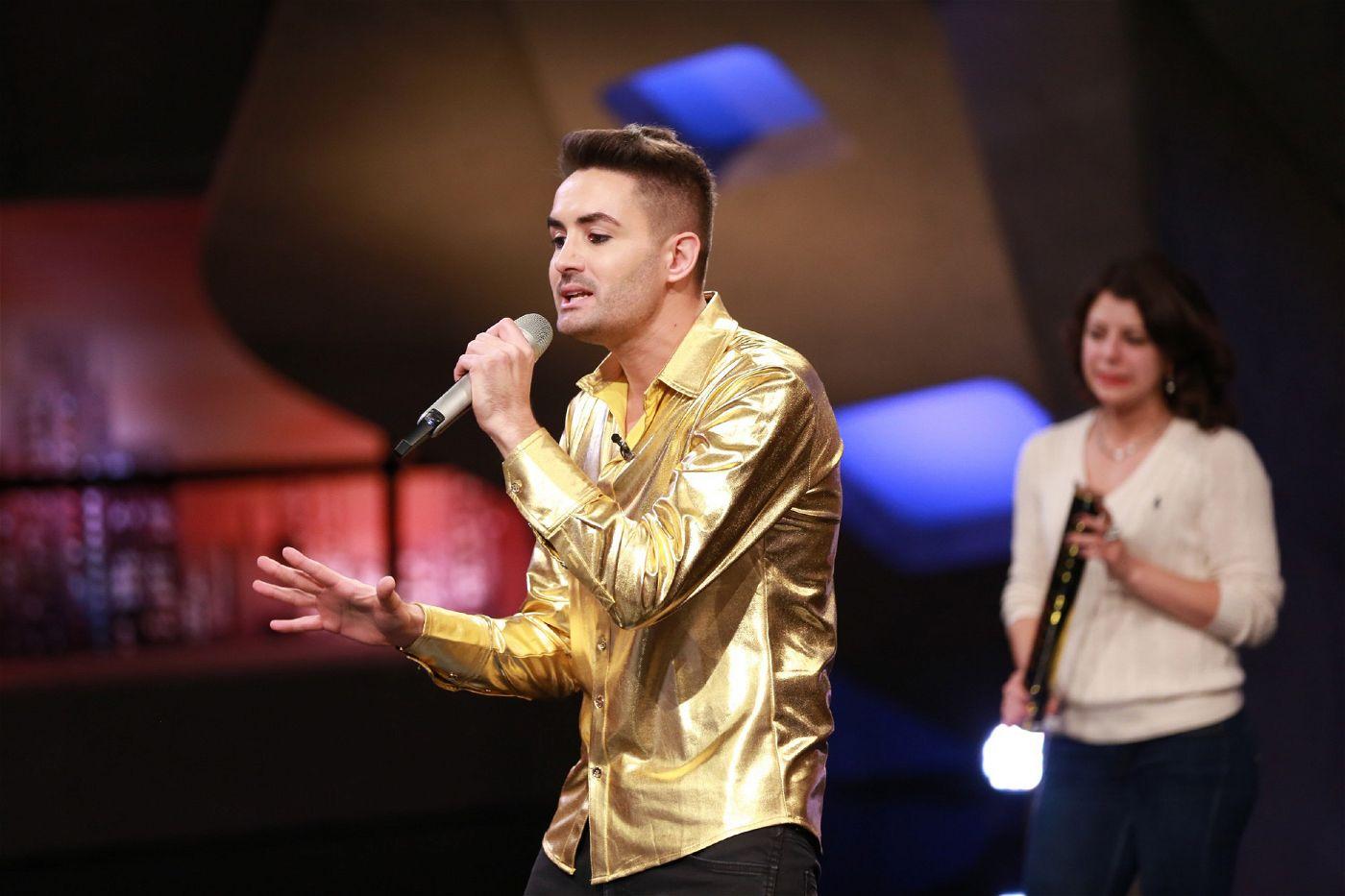 """Keine DSDS-Staffel ohne Menderes Bagci. Seit der Premiere der Castingshow möchte er als Sänger Karriere machen. <p>Alle Infos zu """"Deutschland sucht den Superstar"""" im Special bei <a href=""""http://www.rtl.de/cms/sendungen/superstar.html"""" target=""""_blank"""" rel=""""nofollow"""">RTL.de</a>.</p>"""