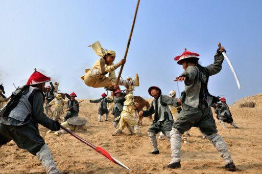 """Der begabte Yang Lu Chan (Yuan Xiaochao) hat von Geburt an eine Beule auf dem Kopf, die ihm bei """"Aktivierung"""" übermenschliche Kung-Fu-Fähigkeiten verleiht."""