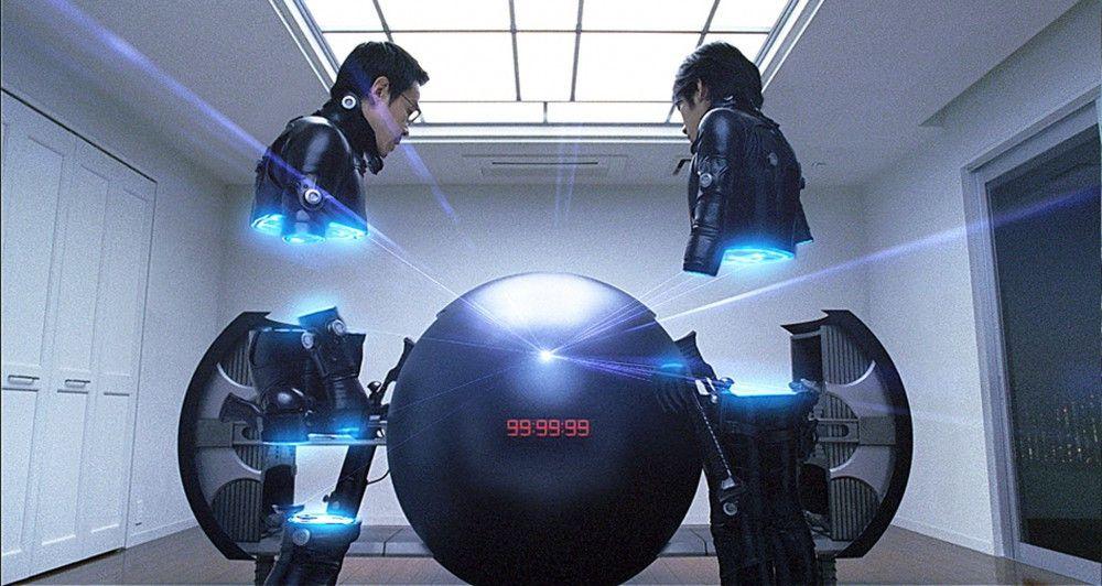 Kei ist immer noch in das gnadenlose Spiel um die Kugel GANTZ involviert. Wenn er genug Punkte sammelt, kann er seinen vor fünf Monaten im Kampf gegen die Aliens getöteten Freund Kato wieder ins Leben holen. Doch dann erhält die junge Eriko einen Mini-GANTZ mit dem Auftrag, vier Menschen zu töten, darunter Keis Freundin Tae.