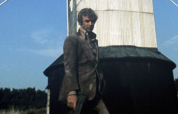 Mit John Tarrant (Michael Caine) ist nicht zu spaßen ...