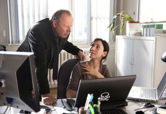 Borowski (Axel Milberg) und Kollegin Brandt (Sibel Kekilli) verfolgen Spuren im Internet