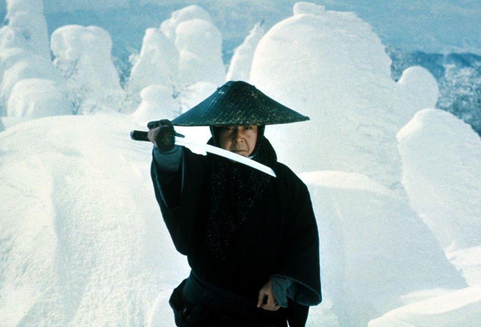 Ogami (Tomisaburo Wakayama) hat den weißen Weg der Hölle beschritten, auf dem er nur noch für die Rache lebt
