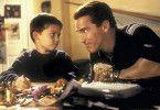 Ich verspreche dir, der Turbo-Man wird dein sein! Arnold Schwarzenegger beruhigt Jake Lloyd