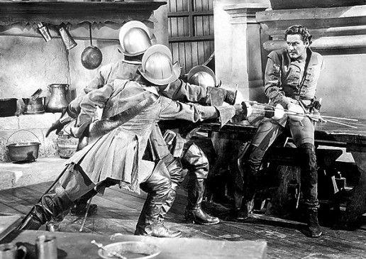 Na kommt doch! Don Juan (Errol Flynn, r.) wehrt sich gegen die üblen Schurken