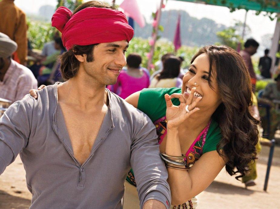 Veera (Rani Mukerji) versteht sich sehr gut mit Rohan (Shahid Kapur)