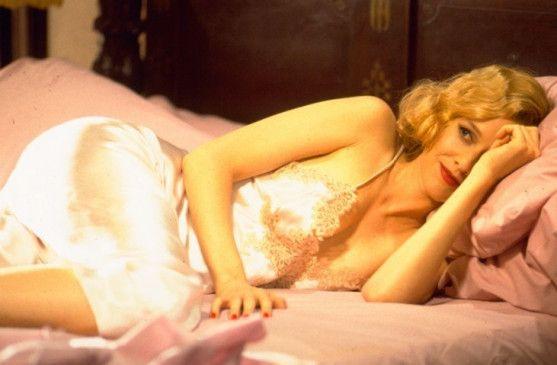 Blondes Gift? Penelope Ann Miller als Margo Lane