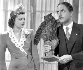 Myrna Loy wundert sich, dass William Powell nichts mehr von ausgestopften Eulen hält