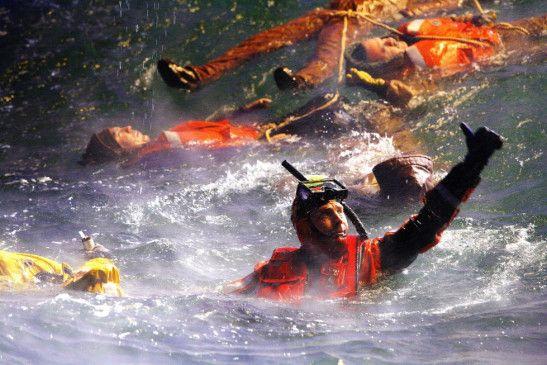 Alles klar - alle tot! Kevin Kostner als Rettungsschwimmer