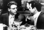 Der Klatschkolumnist (Burt Lancaster, l.) beauftragt seinen Informanten (Tony Curtis)