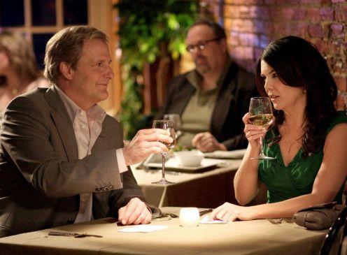 Arlen Faber (Jeff Daniels) hat sich in Elizabeth (Lauren Graham) verliebt