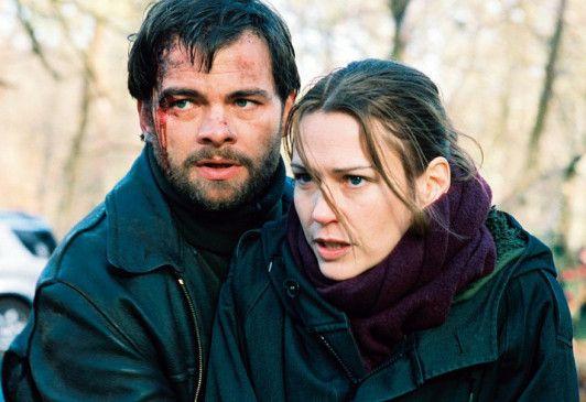 Raoul (Clovis Cornillac) und Diane (Marie-Josée Croze) werden von Unbekannten verfolgt