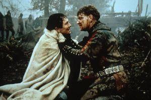 Und bist du nicht willig, so brauch' ich Gewalt!  Kenneth Branagh (r.) als King Henry
