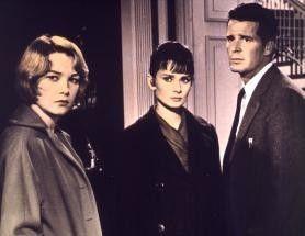 Wir sind uns keiner Schuld bewusst! Shirley  MacLaine, Audrey Hepburn, James Garner (v.l.)