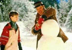 Ist doch 'nen schöner Schneemann, oder? Michael  Keaton (r.) und Filmsohn