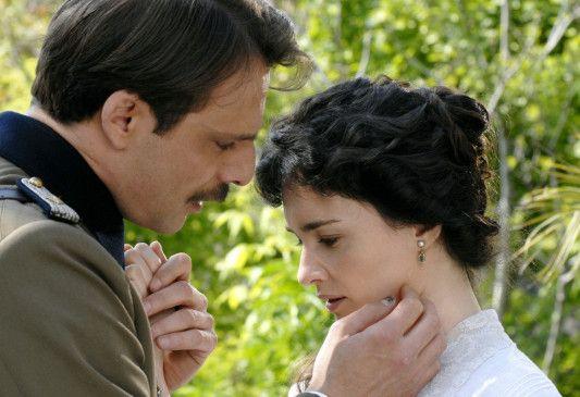 Eine unmögliche Liebe: Egon (Alessandro Preziosi) und Nunik (Paz Vega)