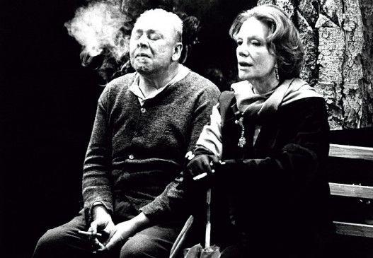 Die alte Dame (Elisabeth Flickenschildt) fordert den Kopf ihres einstigen Geliebten (Hans Mahnke)