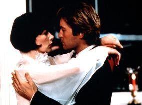Glenda Jackson und Helmut Berger beginnen eine leidenschaftliche Affäre