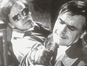 Nimm doch mal die Hand da weg! Joachim Fuchsberger (r.) und Klaus Kinski