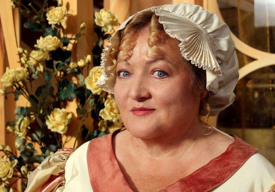 Marianne Sägebrecht als Frau Holle