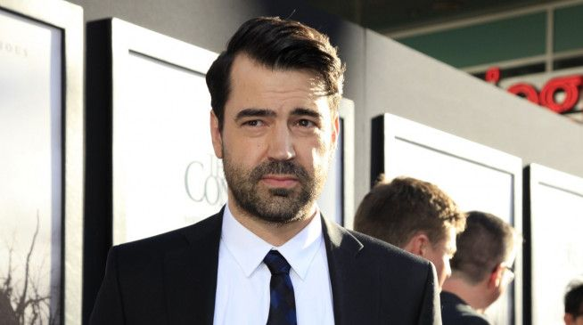 Yale-Absolvent Ron Livingston.