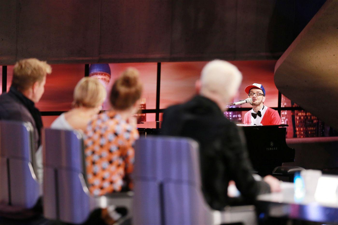 """""""Wenn ich nicht bei DSDS bin, bin ich Coach für Klavier, für Stage Performance und für Gesang"""", erklärt der vielbeschäftigte Berliner."""