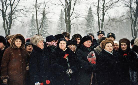 Auf dem Piskarovskiy-Friedhof