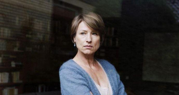 """Corinna Harfouch in """"Was bleibt""""."""