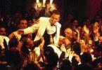 Pianist 1900 (Tim Roth) wird von den Passagieren  gefeiert