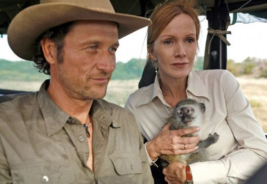 Eva (Katja Flint) lernt den Ranger Alex (Markus Knüfken) kennen