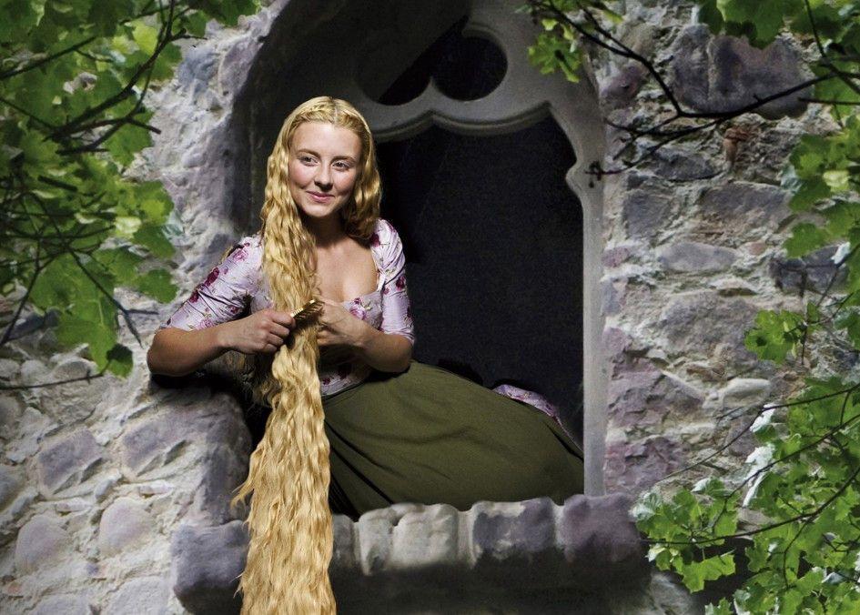 Haarpflege muss sein! Luisa Wietzorek als Rapunzel