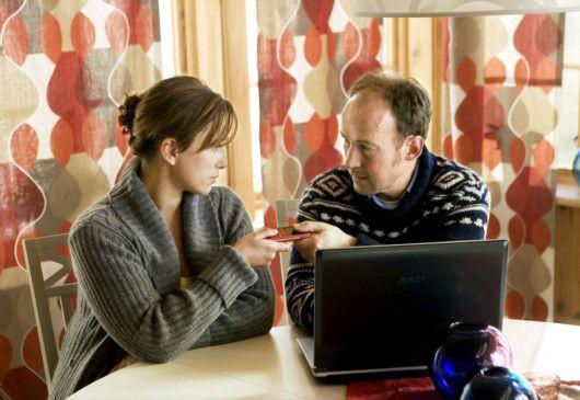 Einem Geheimnis auf der Spur? Peter (Ulrich Noethen) und Helena (Lisa Nilsson)