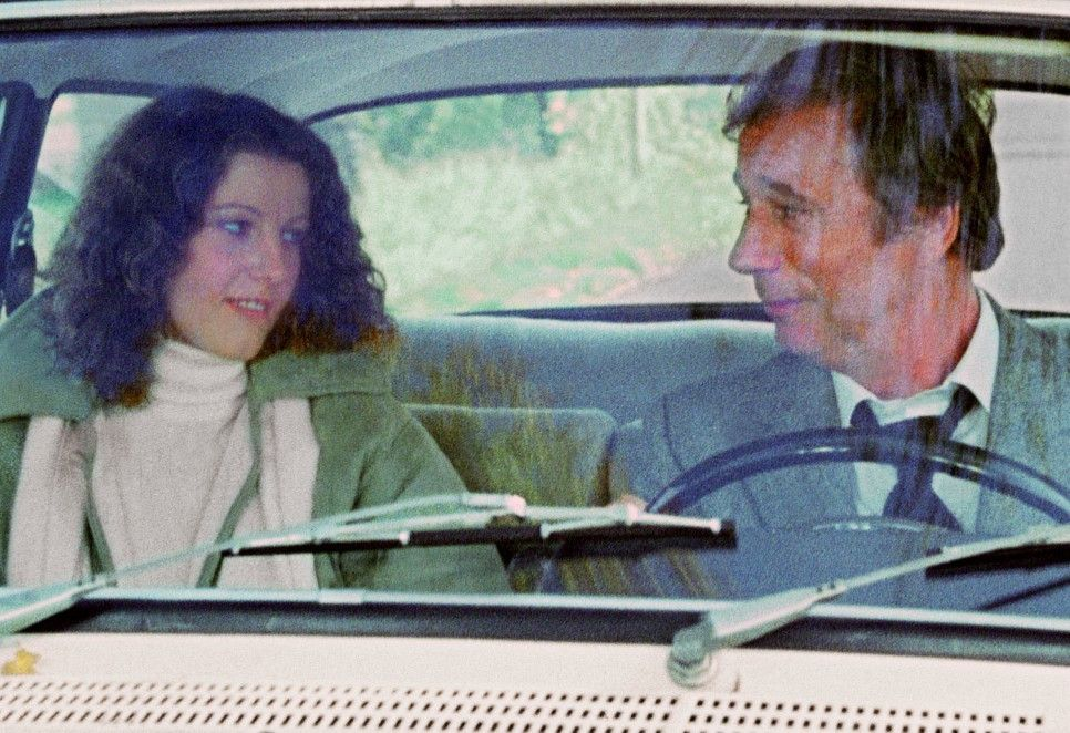 Ferrot (Yves Montand) verliebt sich in die junge Sylvia (Stefania Sandrelli)