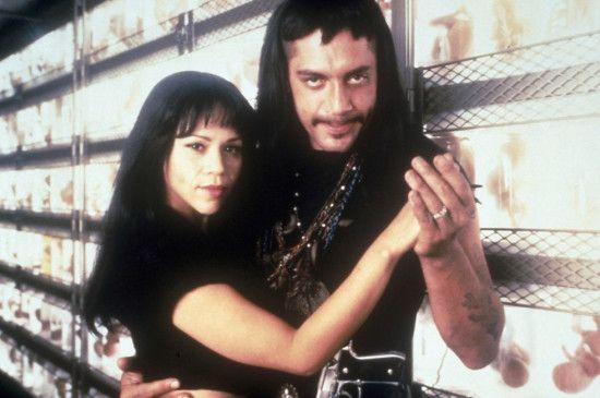 Perdita Durango (Rosie Perez) und Romeo Dolorosa (Javier Bardem) pflegen eine leidenschaftliche Beziehung